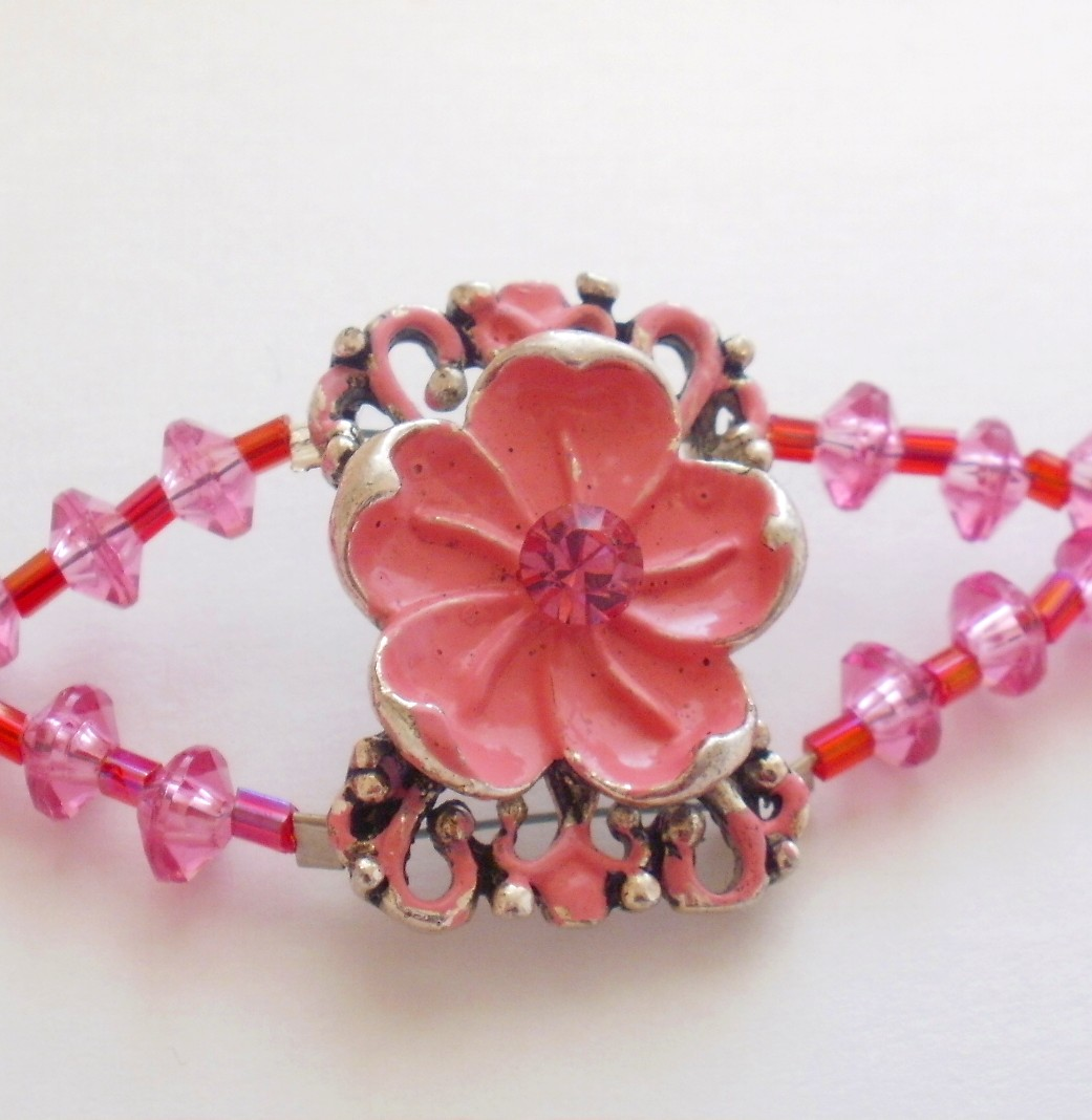 Flower Beaded Choker in Pink and Red